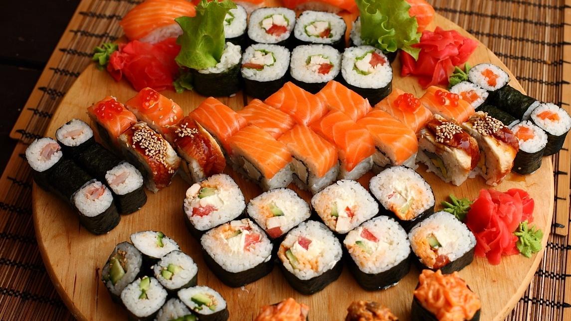 Где можно поесть суши в Симферополе?