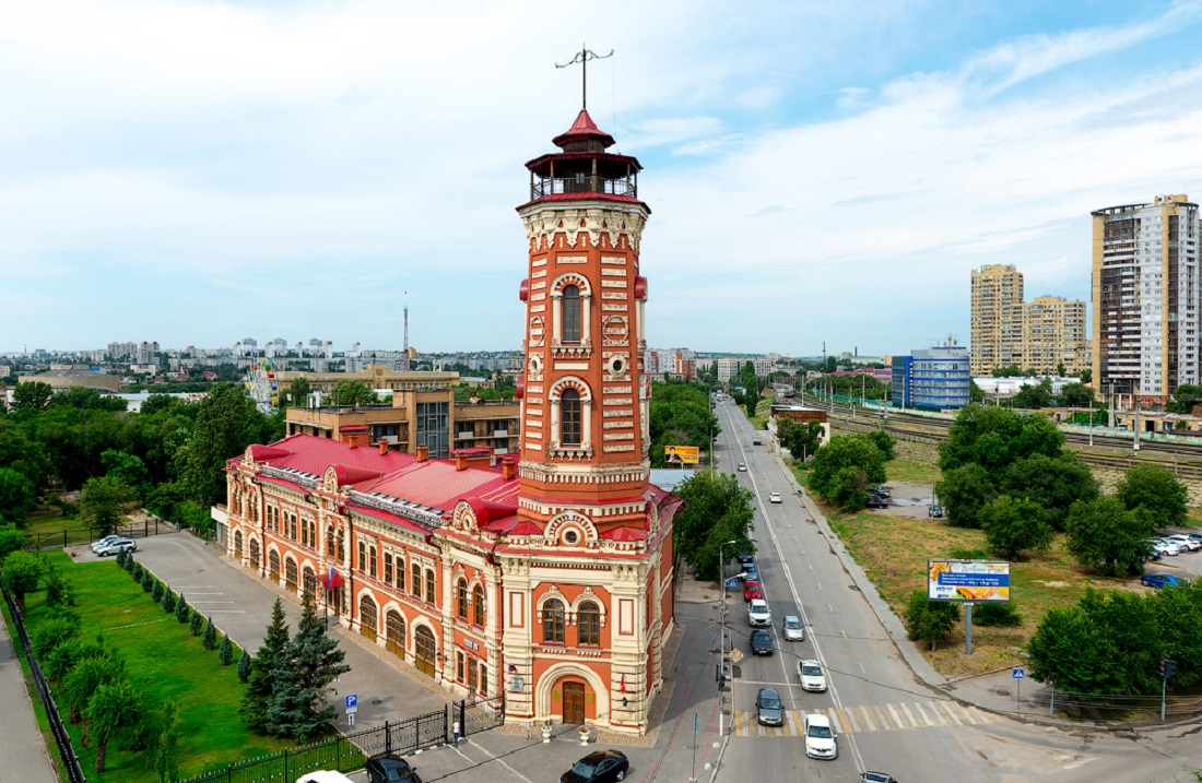 Какие уникальные здания есть в Волгограде?