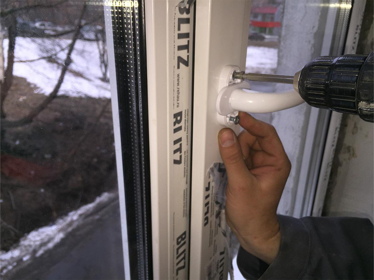 Куда обратиться за установкой пластикового окна в Симферополе? Фирмы пластиковых окон в Симферополе